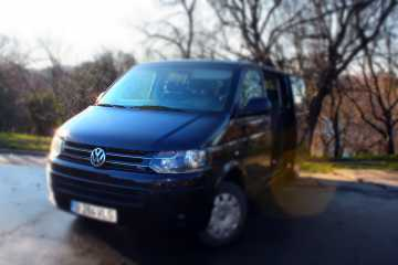 Volkswagen Caravelle (8 + 1 seats, AC, automatic)
